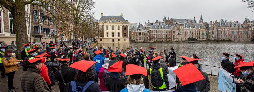 Academics sound the alarm: towards a normal academic standard